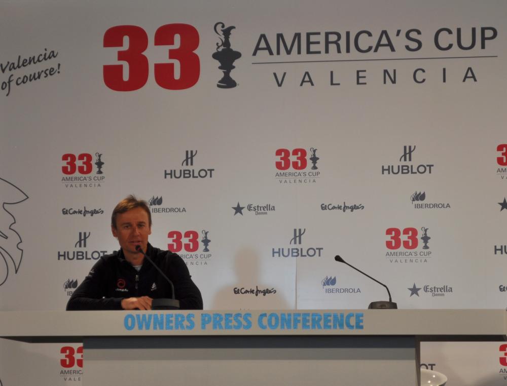 OwnersPressConference2010